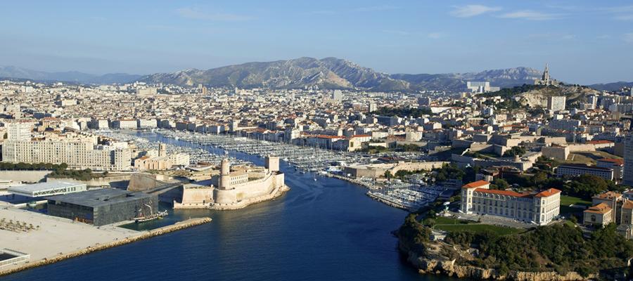 un vacancier à Marseille
